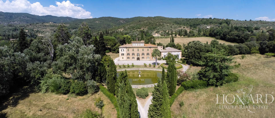 magnificent luxury villa til salgs i arezzo