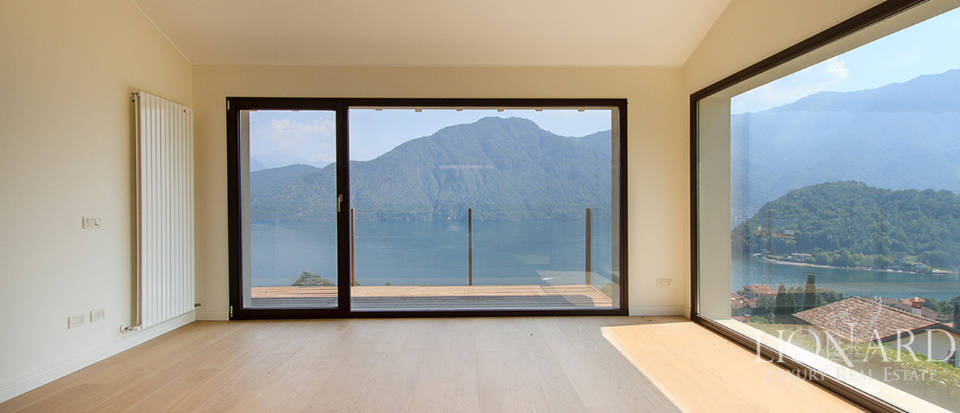 Luxury home for sale on Lake Como Image 13