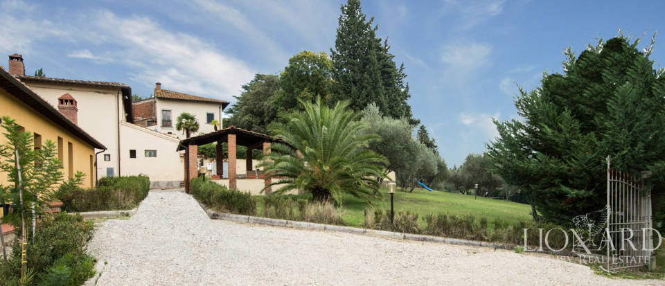 Villas and farmhouses in Tuscany Image 11