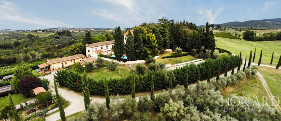 Villas and farmhouses in Tuscany Image 2