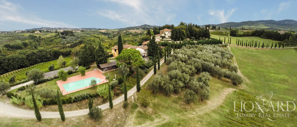 Villas and farmhouses in Tuscany Image 1