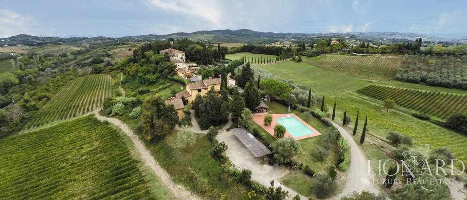 Villas and farmhouses in Tuscany Image 4