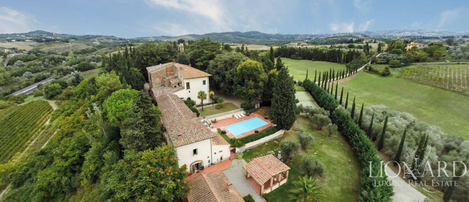 Villas and farmhouses in Tuscany Image 5