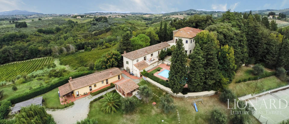 Villas and farmhouses in Tuscany Image 6