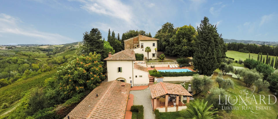 Villas and farmhouses in Tuscany Image 10