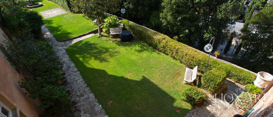 Historic villas for sale in Tuscany Image 18