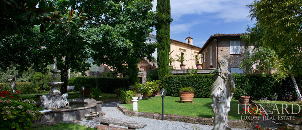 Historic villas for sale in Tuscany Image 12