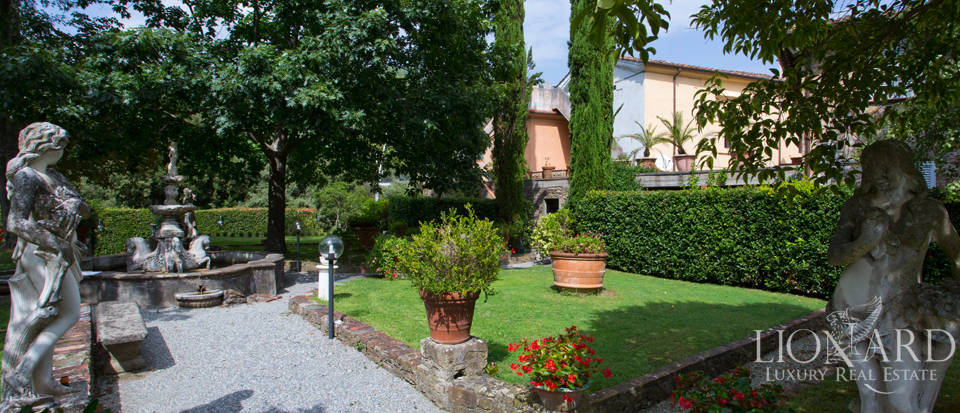 Historic villas for sale in Tuscany Image 11