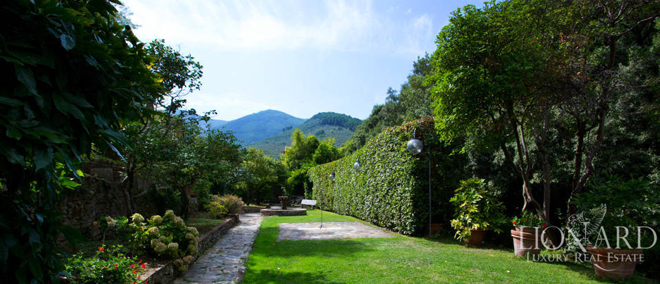 Historic villas for sale in Tuscany Image 25
