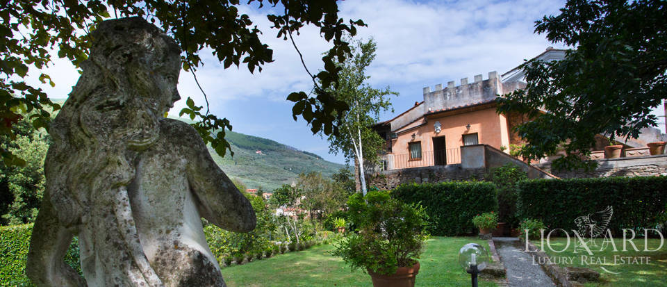 Historic villas for sale in Tuscany Image 7
