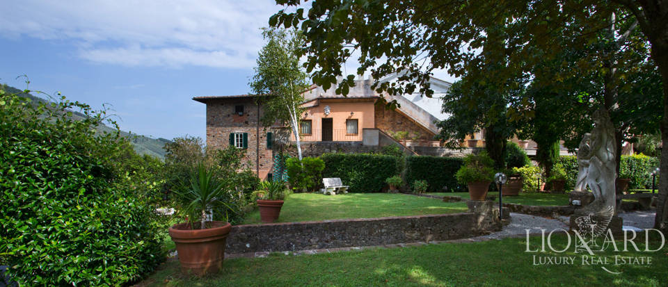 Historic villas for sale in Tuscany Image 1