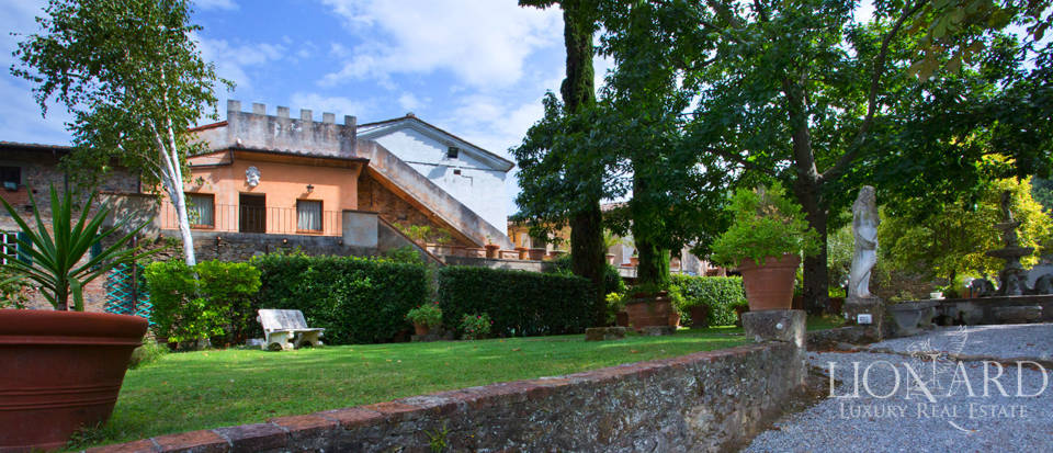 Historic villas for sale in Tuscany Image 4