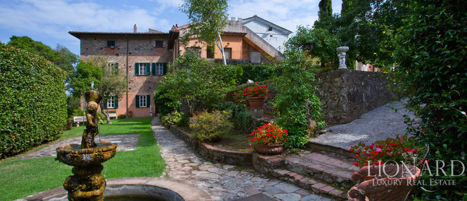 Historic villas for sale in Tuscany Image 5