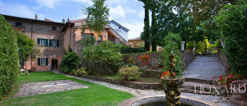 Historic villas for sale in Tuscany Image 26