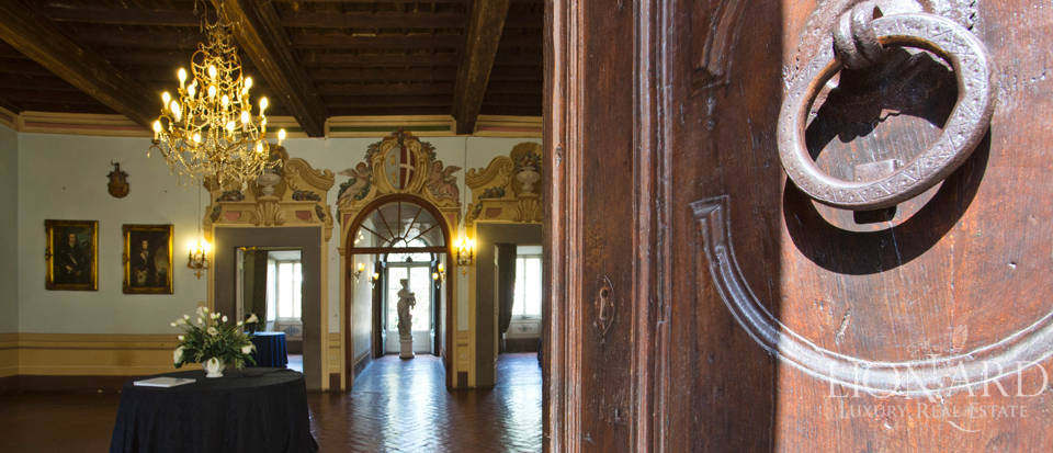 Historic villas for sale in Tuscany Image 31