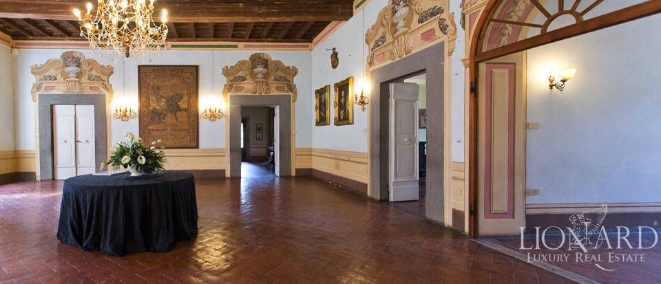 Historic villas for sale in Tuscany Image 34