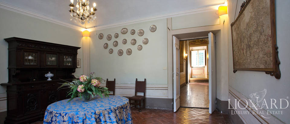 Historic villas for sale in Tuscany Image 37