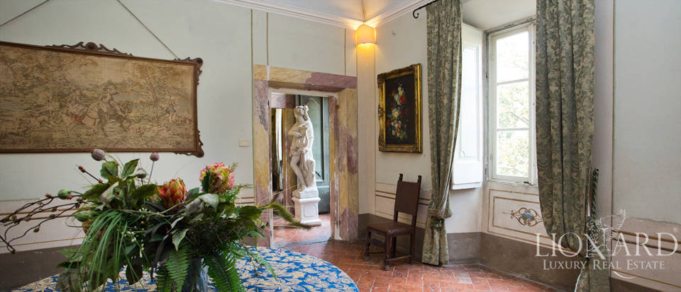 Historic villas for sale in Tuscany Image 39