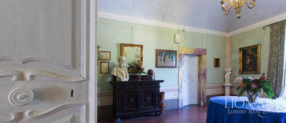 Historic villas for sale in Tuscany Image 43