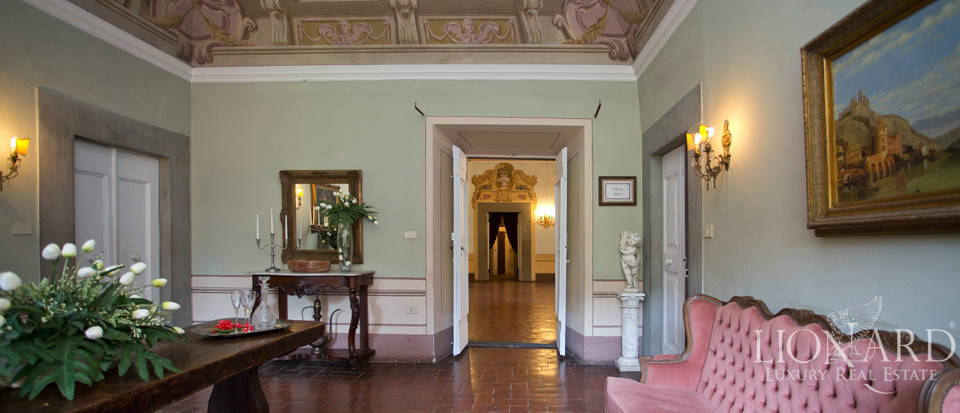 Historic villas for sale in Tuscany Image 46