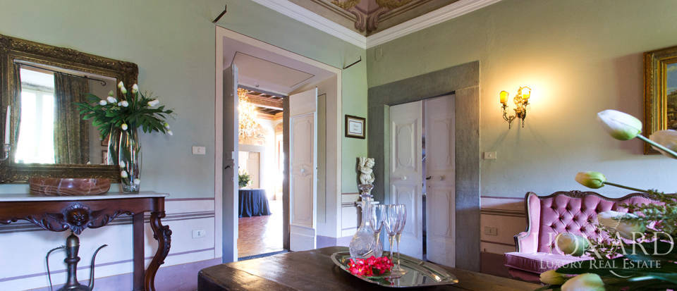 Historic villas for sale in Tuscany Image 47