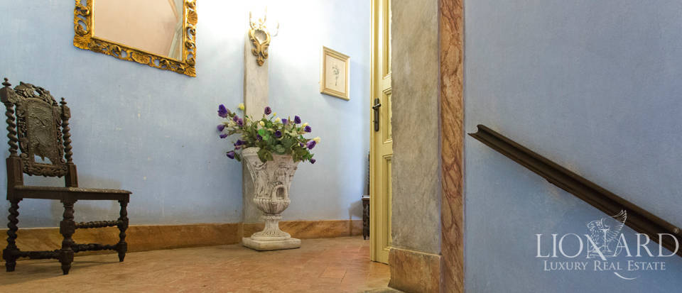 Historic villas for sale in Tuscany Image 48