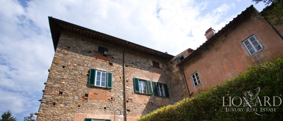 Historic villas for sale in Tuscany Image 23