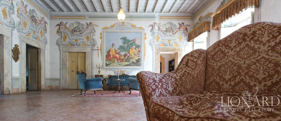 Historic villas for sale in Tuscany Image 52