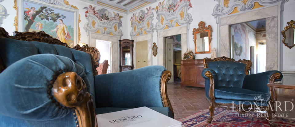 Historic villas for sale in Tuscany Image 54