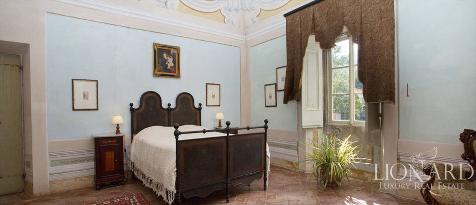 Historic villas for sale in Tuscany Image 60