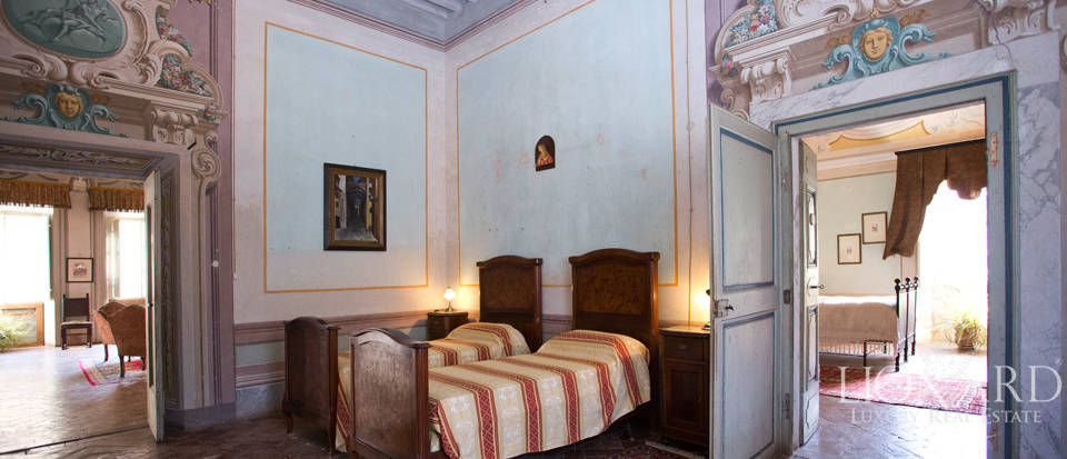 Historic villas for sale in Tuscany Image 62