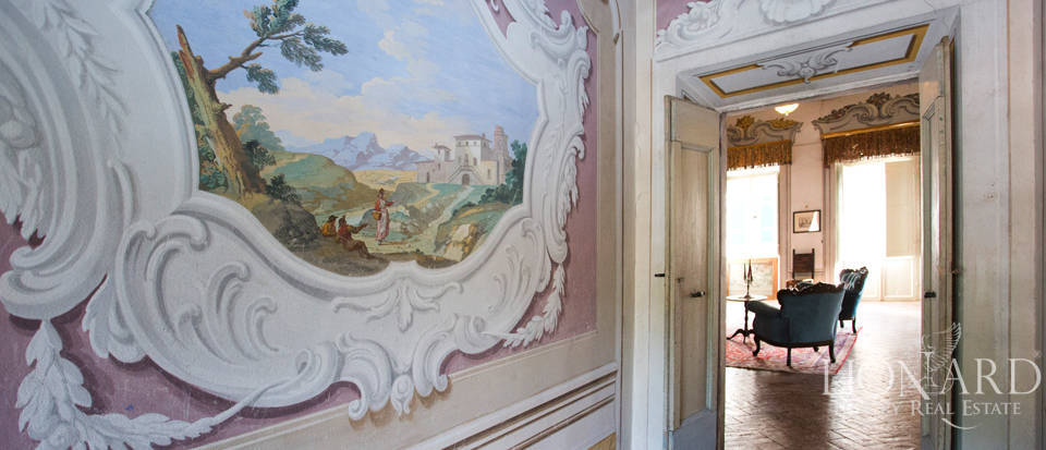 Historic villas for sale in Tuscany Image 64