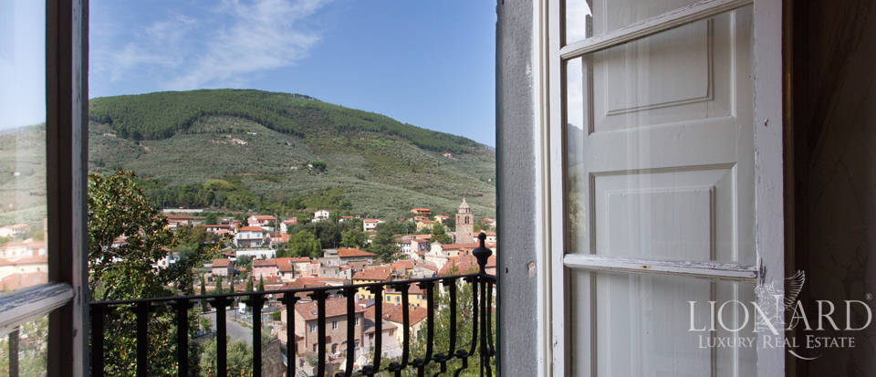 Historic villas for sale in Tuscany Image 66