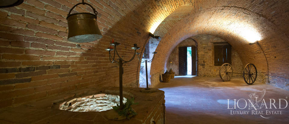 Historic villas for sale in Tuscany Image 69