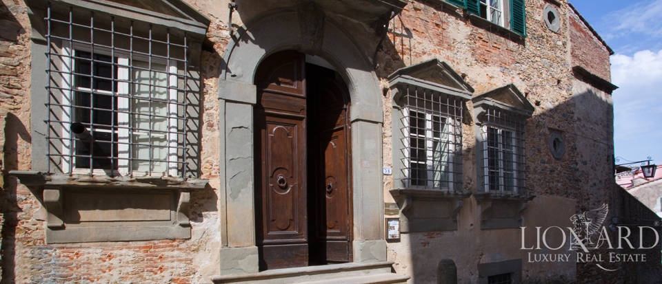 Historic villas for sale in Tuscany Image 29