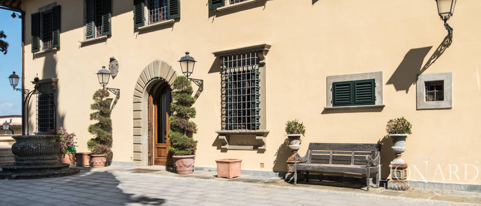 Luxury villa in the hills of Florence Image 31