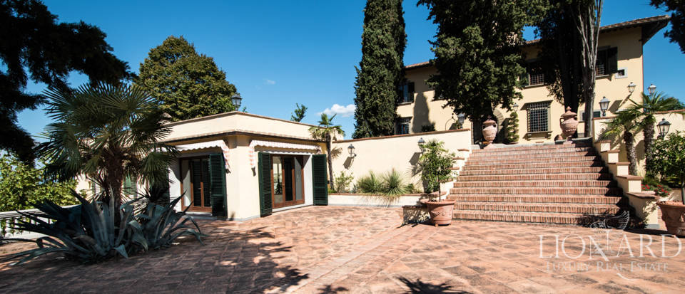 Luxury villa in the hills of Florence Image 18