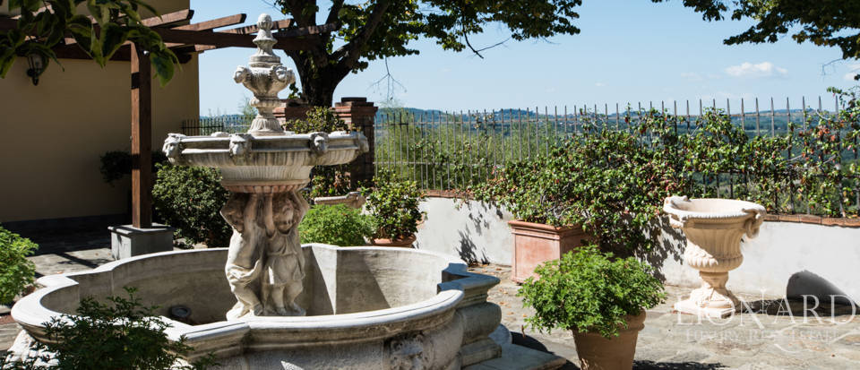 Luxury villa in the hills of Florence Image 22