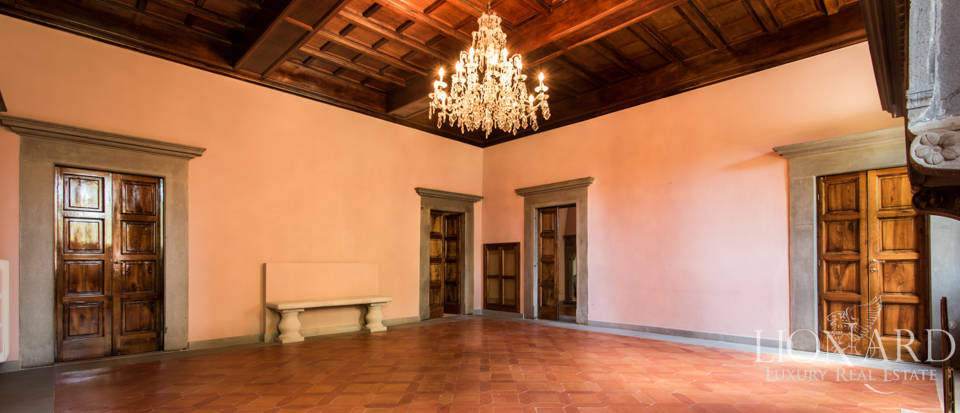 Luxury villa in the hills of Florence Image 39