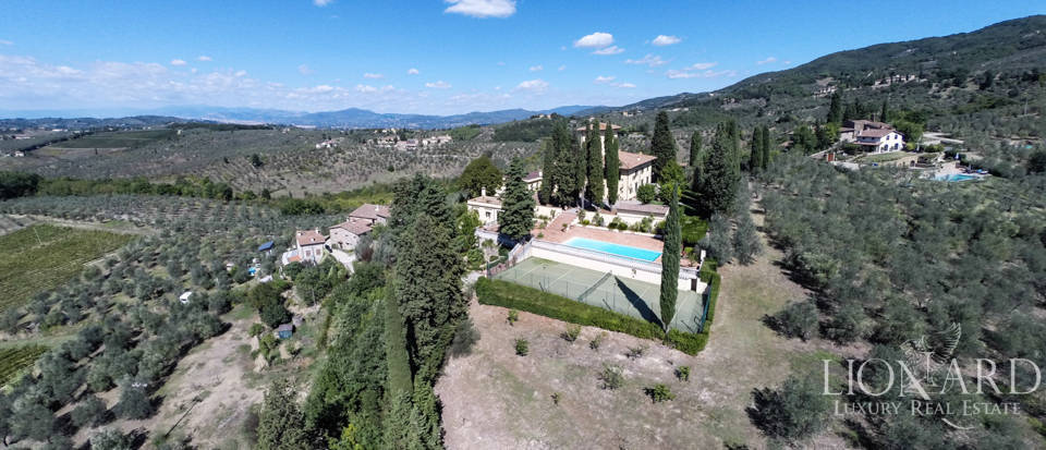 Luxury villa in the hills of Florence Image 5