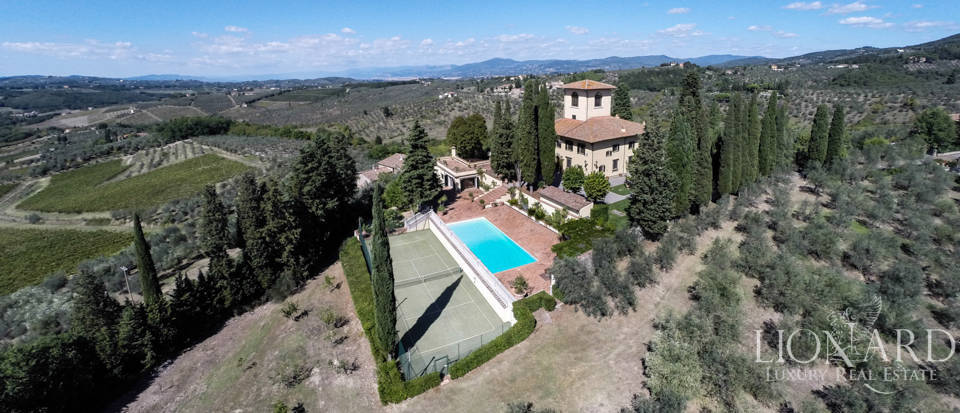Luxury villa in the hills of Florence Image 4