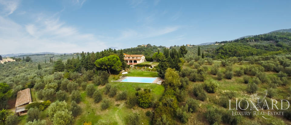 Luxury villa for sale in Florence Image 4