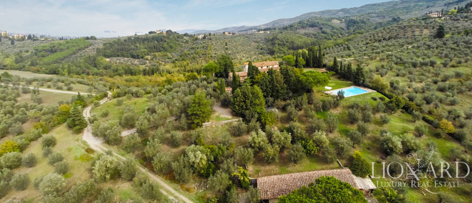 Luxury villa for sale in Florence Image 5