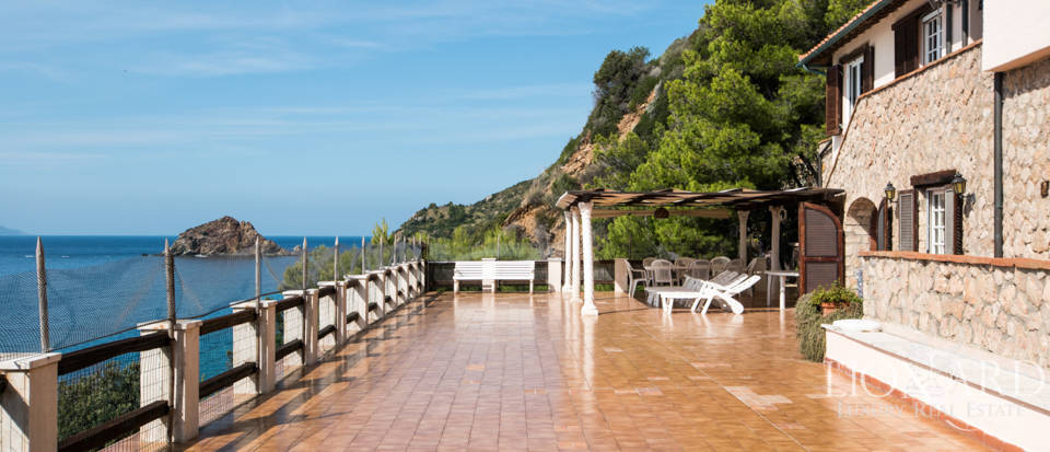 Luxury villas for sale in Mount Argentario  Image 11