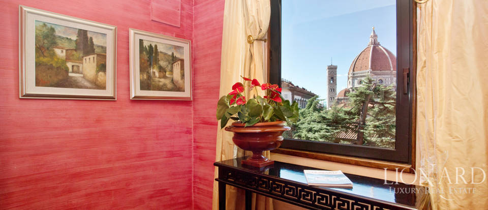 Luxurious Penthouse with Duomo View in Florence Image 1