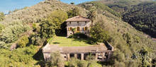 luxury villa with panoramic position in lucca