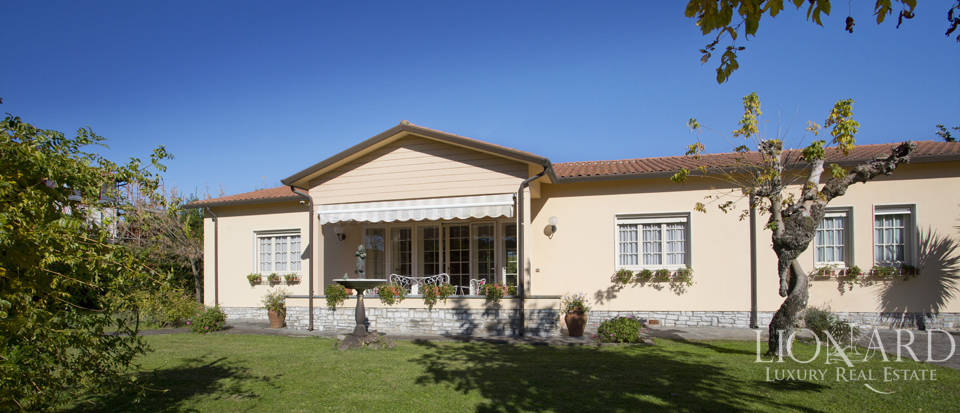exclusive luxury villa in forte dei marmi