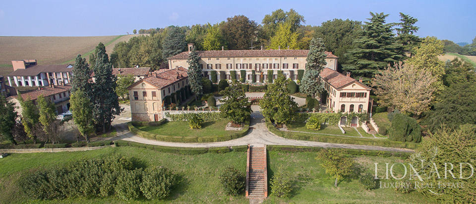 Magnificent Historical Luxury Villa in Piedmont Image 1