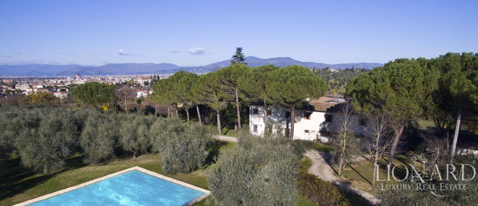 Period residence for sale in Tuscany Image 2