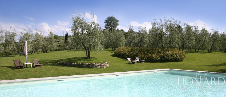 Period residence for sale in Tuscany Image 9